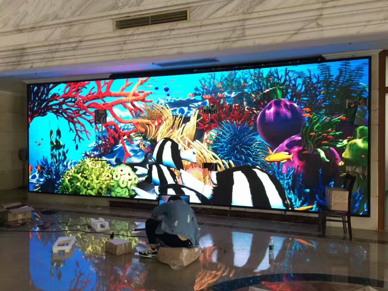 P2.5 HD indoor LED full color display is installed